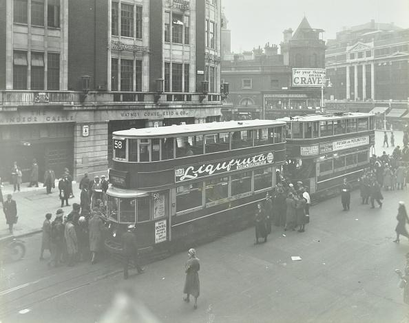 Passenger「Electric Trams At Victoria Terminus, London, 1932」:写真・画像(7)[壁紙.com]