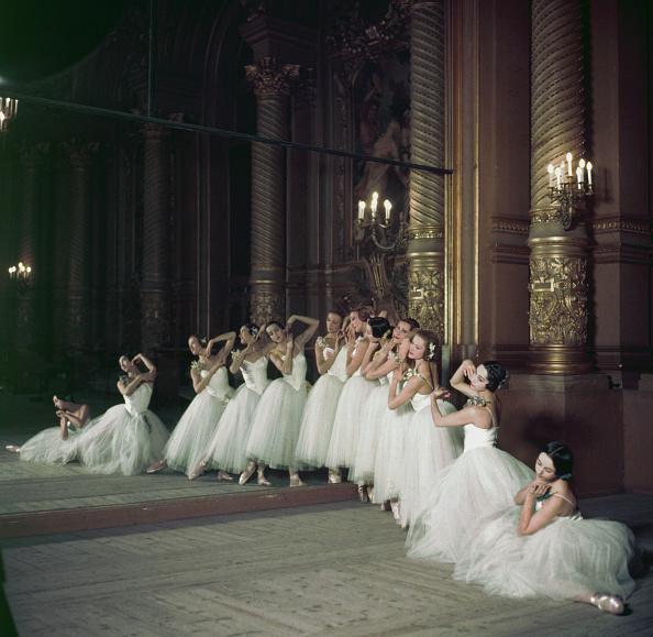 Opera「Corps De Ballet」:写真・画像(6)[壁紙.com]