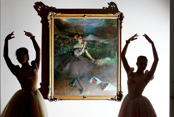 Edgar Degas「Ballerinas Bring Art To Life During Degas Exhibition Preview」:写真・画像(19)[壁紙.com]