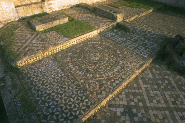 Tiled Floor「Tiles in the church of Byland Abbey, North Yorkshire, 1997. Artist: J Bailey」:写真・画像(11)[壁紙.com]