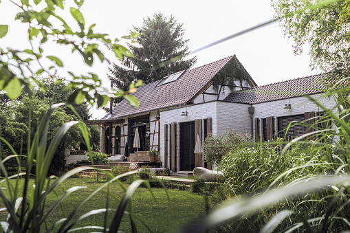 Convenience「Germany, Country house with garden」:スマホ壁紙(13)