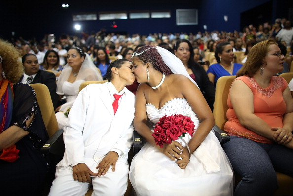 ラテンアメリカ「World's Largest Communal Gay Wedding Ceremony Held In Rio」:写真・画像(17)[壁紙.com]