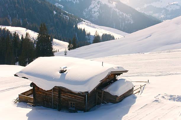 Winter Cabin:スマホ壁紙(壁紙.com)