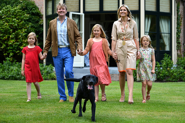 King Willem-Alexander「The Dutch Royal Family Hold Annual Summer Photocall」:写真・画像(19)[壁紙.com]