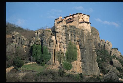 Trikkala「Roussanou Monastery on Cliff-Top」:スマホ壁紙(8)
