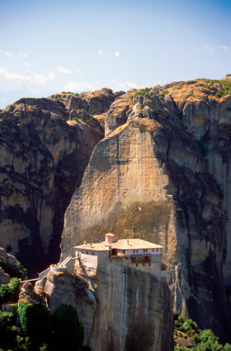Mt Athos Monastic Republic「Roussanou Monastery on a cliff, Mount Athos, Meteora, Greece」:スマホ壁紙(7)