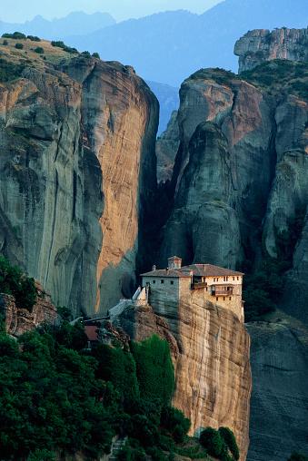 Roussanou Monastery「Roussanou Monastery in Greece」:スマホ壁紙(9)