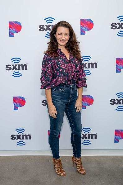 Kristin Davis「Celebrities Visit The SiriusXM Hollywood Studios in Los Angeles」:写真・画像(12)[壁紙.com]