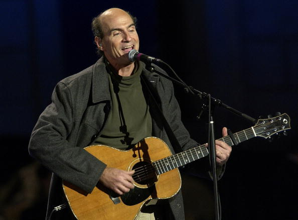 Singer「James Taylor Performs During Kerry's Election Night Event」:写真・画像(2)[壁紙.com]