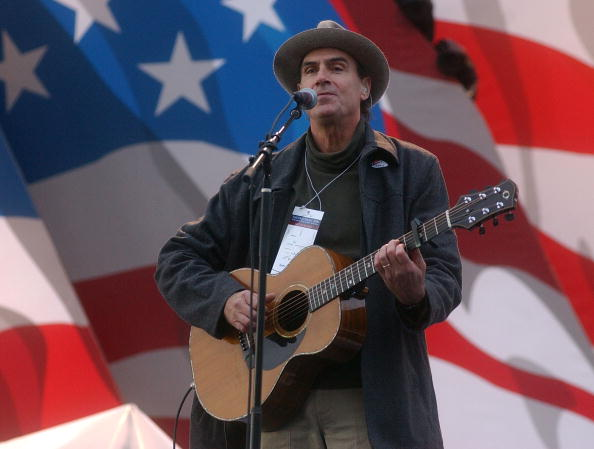 Singer「James Taylor Rehearses At Kerry Campaign Election Night Event」:写真・画像(8)[壁紙.com]
