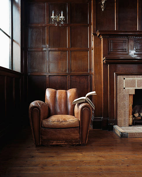 Book on a leather armchair:スマホ壁紙(壁紙.com)