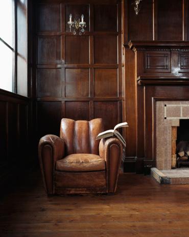 Open「Book on a leather armchair」:スマホ壁紙(9)