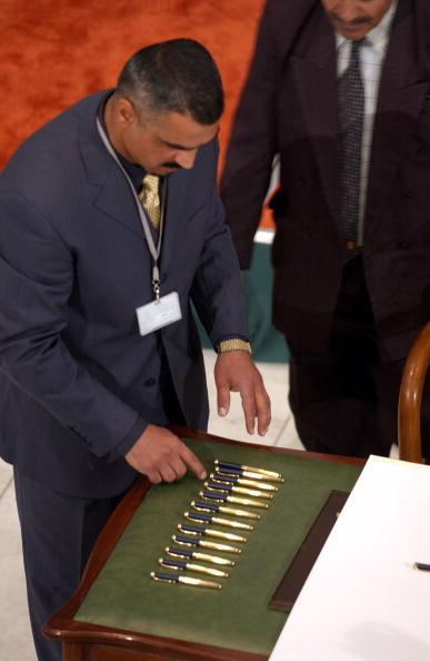 Iraqi Governing council「Iraqi Council Signs Interim Constitution」:写真・画像(5)[壁紙.com]
