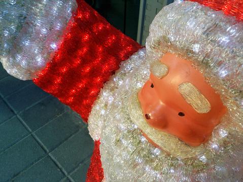 キッチュ「Plastic Santa Claus street display, Chania, Crete, Greece」:スマホ壁紙(1)