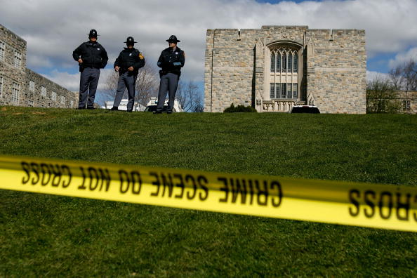Virginia - US State「Virginia Tech Community Mourns Day After Deadliest U.S. Shooting」:写真・画像(4)[壁紙.com]
