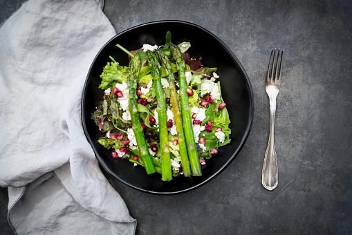 Asparagus「Mixed salad with fried green asparagus, feta and pomegranate seeds」:スマホ壁紙(9)