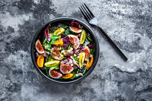 Salad「Mixed salad with fig, tomato, ham, cheese, pistachio」:スマホ壁紙(7)