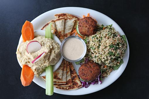 Bulgur Wheat「Assortment of Falafel, Pita Bread, Hummus and Tabbouleh」:スマホ壁紙(0)