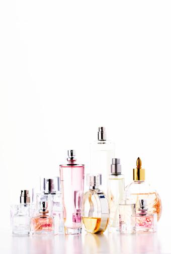 Girly「Assortment of perfume bottles」:スマホ壁紙(8)