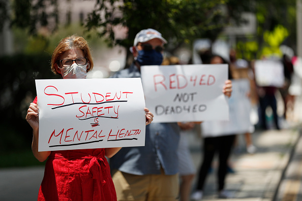 Teacher「Hillsborough County Florida Teachers Protest Reopening Schools Amid Pandemic」:写真・画像(18)[壁紙.com]