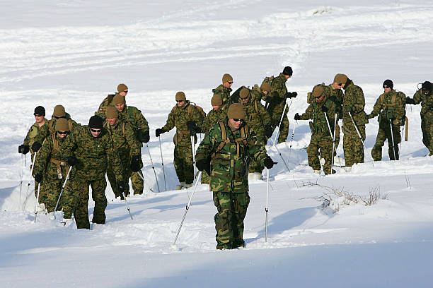 15th Marine Expeditionary Unit Conducts Mountain Warfare Training:ニュース(壁紙.com)