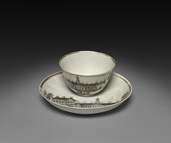 Tea Cup「Tea Bowl And Saucer With View Of Town (Cleves?)」:写真・画像(13)[壁紙.com]