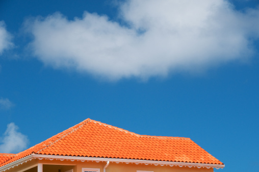 Scalloped - Pattern「Bright tiled roof against blue sky」:スマホ壁紙(2)