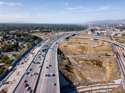 Road Construction「Aerial Drone Clip Looking Down On I-15, I-80 Of The Commuter Traffic And Road Construction Around Salt Lake City」:スマホ壁紙(3)