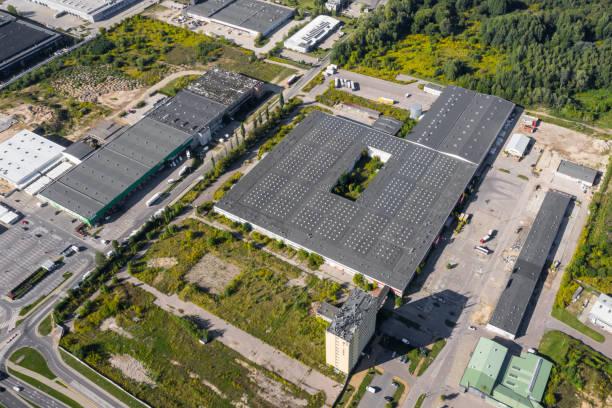 Aerial drone view on logistics center:スマホ壁紙(壁紙.com)