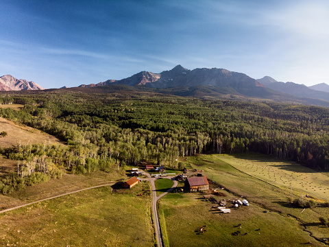 Aspen - Colorado「Aerial Drone Image of the Famous Schmid Ranch Near Telluride in Southwest Colorado in the Early Fall on a Sunny Afternoon with Blue Sky」:スマホ壁紙(11)
