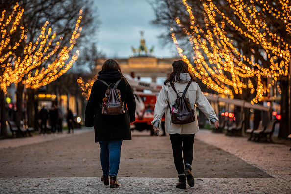 Infectious Disease「Berlin Prepares For Christmas Season During Pandemic Second Wave」:写真・画像(17)[壁紙.com]