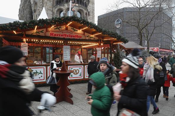 2016 Berlin Christmas Market Attack「Christmas Market Targeted In Terror Attack Reopens」:写真・画像(18)[壁紙.com]