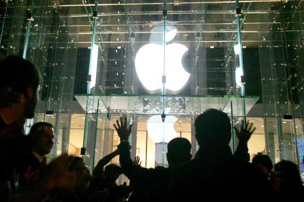 アップルストア「Apple Opens Flagship Store In Manhattan」:写真・画像(19)[壁紙.com]