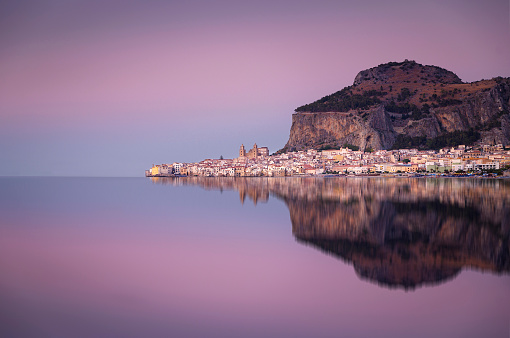 Tyrrhenian Sea「Italy, Sicily, Cefalu with reflections in the evening, afterglow」:スマホ壁紙(18)