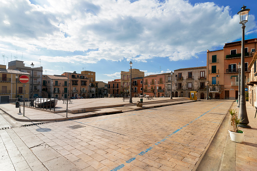Town Square「Italy, Sicily, Province of Caltanissetta, Gela, Old town, Piazza San Francesco」:スマホ壁紙(4)