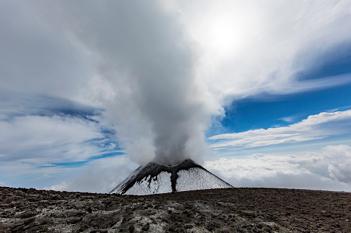 Active Volcano「Italy, Sicily, Mount Etna summit」:スマホ壁紙(1)