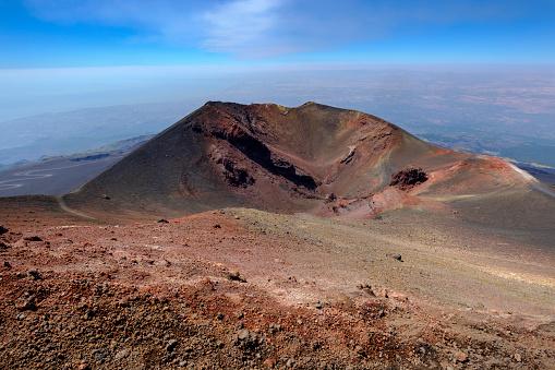 Volcanic Landscape「Italy, Sicily, Mount Etna, volcanic crater, lava fields」:スマホ壁紙(19)