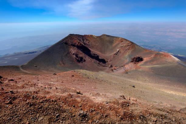 Italy, Sicily, Mount Etna, volcanic crater, lava fields:スマホ壁紙(壁紙.com)