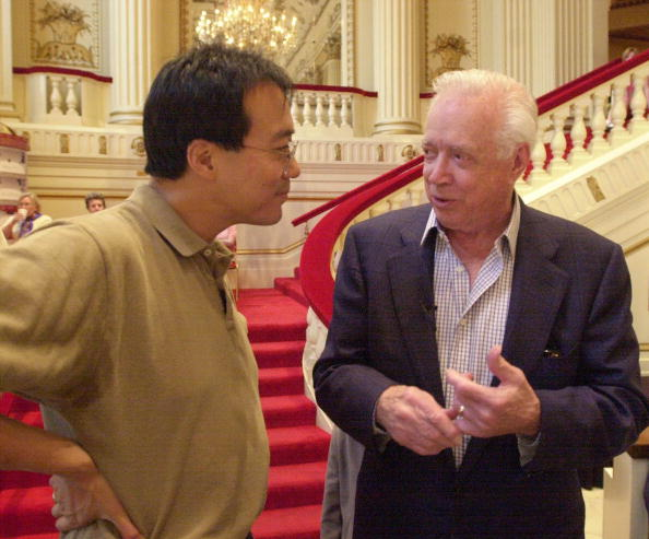 Bill Greenblatt「Hugh Downs Attends Yo-Yo Ma Concert in St. Louis」:写真・画像(3)[壁紙.com]
