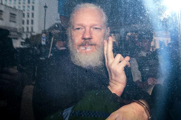 Gesturing「Julian Assange Appears At Westminster Magistrates Court」:写真・画像(18)[壁紙.com]