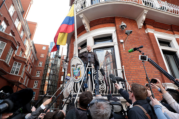 Topix「Sweden Announce That They Are Dropping Rape Charges Against Julian Assange」:写真・画像(13)[壁紙.com]