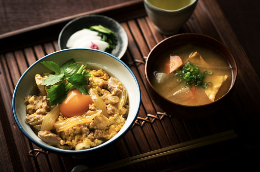 Japanese Food「Oyakodon (Japanese Chicken and Egg Rice Bowl)」:スマホ壁紙(7)