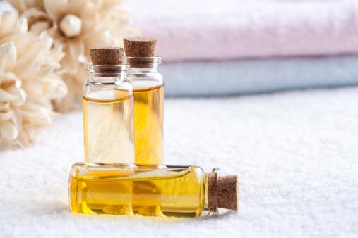 Aromatherapy Oil「Essential oil in vials」:スマホ壁紙(4)