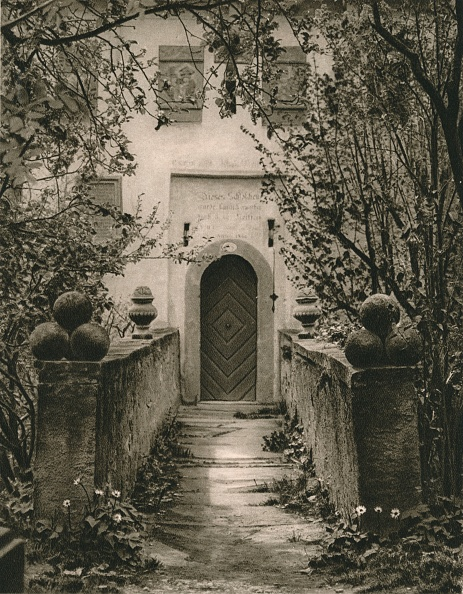 Doorway「Rothenburg o. d. T. - Toppler Castle gate, 1931」:写真・画像(11)[壁紙.com]