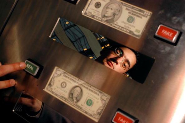 American One Hundred Dollar Bill「Money In Motion Exhibit Opens At The Philadelphia Federal Reserve Bank」:写真・画像(1)[壁紙.com]