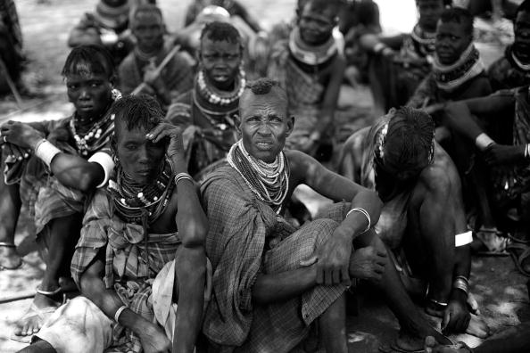 Waiting「Turkana Tribe's Way Of Life Is Threatened By The Effects Of Climate Change」:写真・画像(16)[壁紙.com]