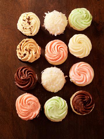 カップケーキ「美味しいバタークリームケーキミニ」:スマホ壁紙(2)