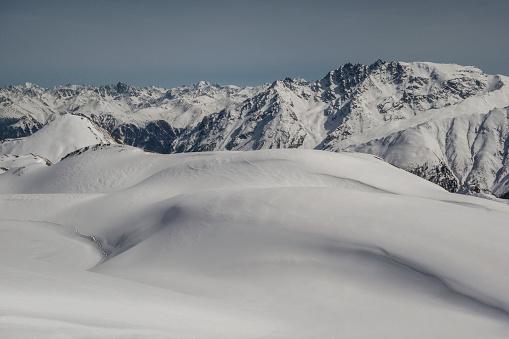 イシュグル「Swiss Alps in winter」:スマホ壁紙(18)
