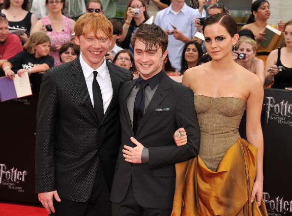 エマ・ワトソン「'Harry Potter And The Deathly Hallows: Part 2' New York Premiere - Arrivals」:写真・画像(10)[壁紙.com]