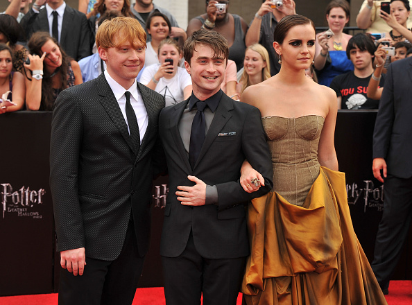 エマ・ワトソン「'Harry Potter And The Deathly Hallows: Part 2' New York Premiere - Arrivals」:写真・画像(1)[壁紙.com]